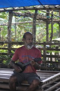 Om Ely & ukulelenya
