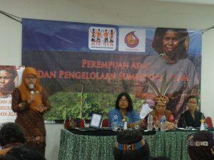 Sarasehan Perempuan Adat dan Pengelolan Sumberdaya Alam