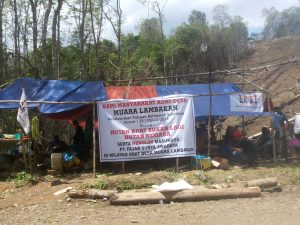 Posko Penolakan PT Fajar Surya Swadaya Kampung Muara Lambakan