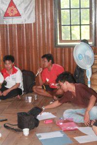 Hantingan (Ketua BPAN Murung Raya) menyampaikan informasi dari wilayah adatnya