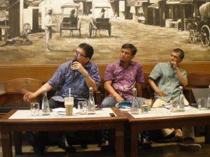 Narasumber Ir.Kemal Amas,M.Sc Dirjen Perubahan Iklim KLH-K, Edo Rakhman, Manager Kampanye WALHI, Roy Salam Direktur Eksekutif Indonesia Budget Center (IBG)