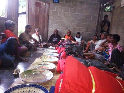 Bentang Mahar dan Kain Timor Yang Akan Diserahkan