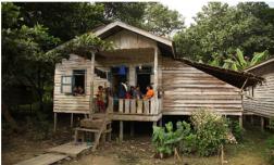 Rumah Tetua Adat Semeriot